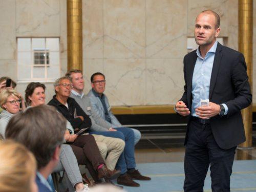 Erben Wennemars tijdens presentatie
